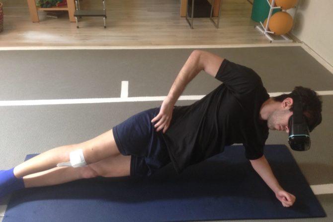 Rugbista dopo intervento si allena a Twickenham